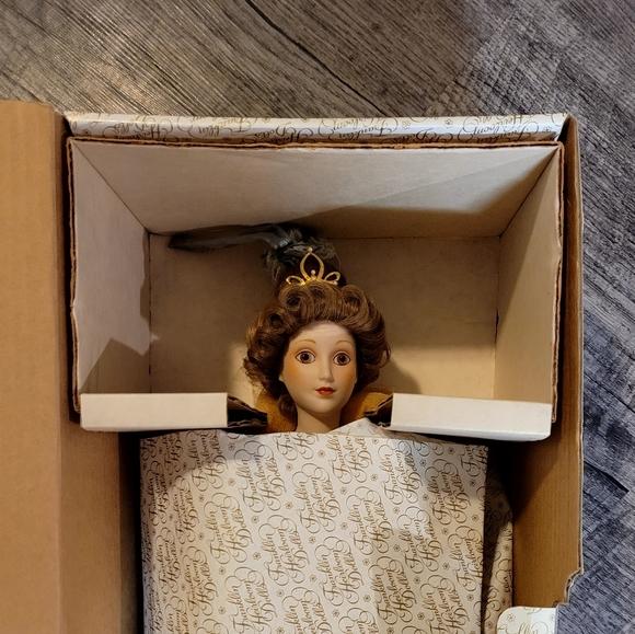 "Franklin Heirloom Vintage Mint Marie Louise 18"" Po"